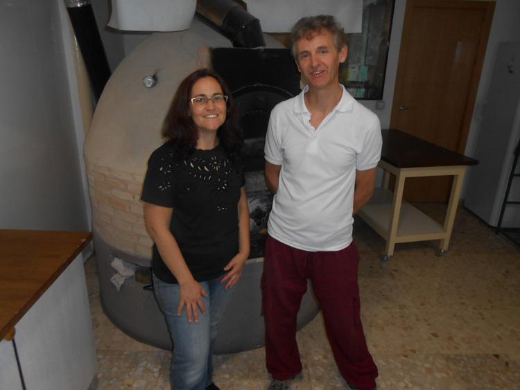 Isabel Páez de Caroubé con Antonio Burguillos de Biopan de la Subbética